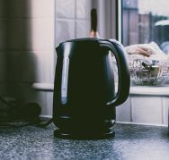 electric-kettle-on-the-table