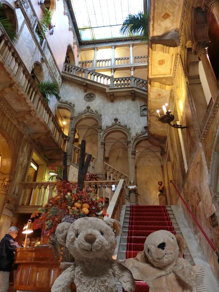 hotel-danieli-entrance
