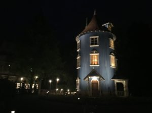 moomin-house-in-the-night