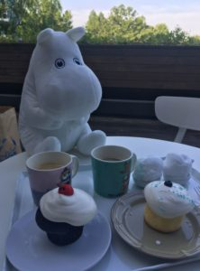 coffee-and-cake-at-moomin-cafe-with-moomin