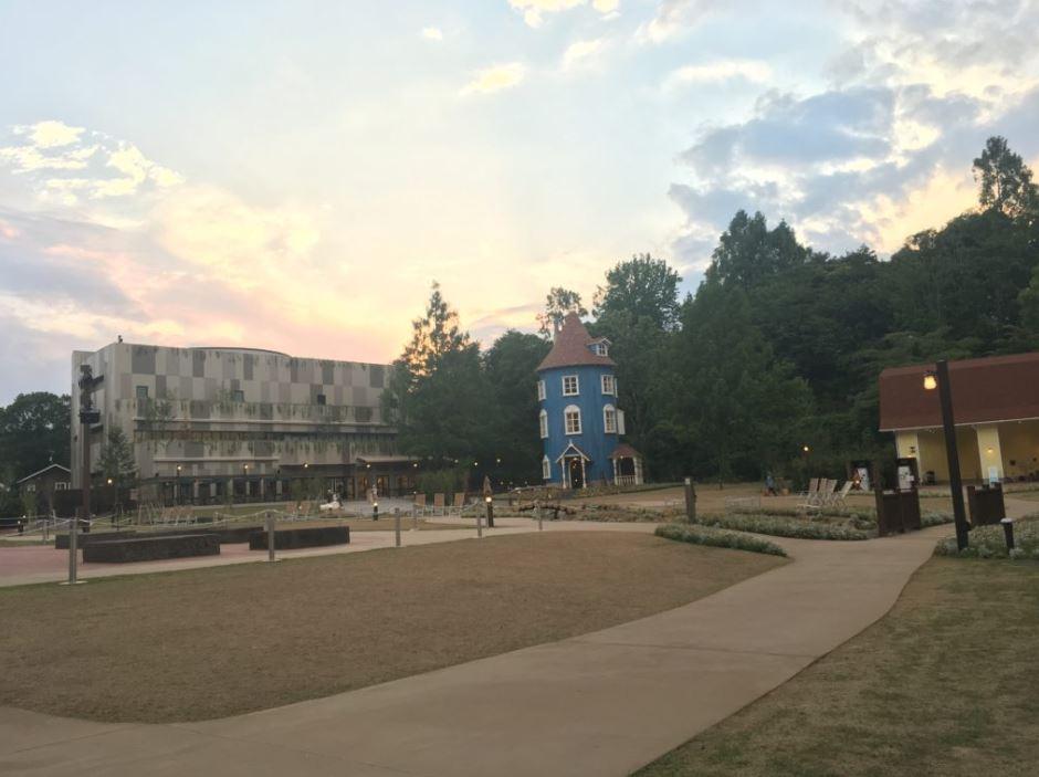 moomin-park-in-the-dusk