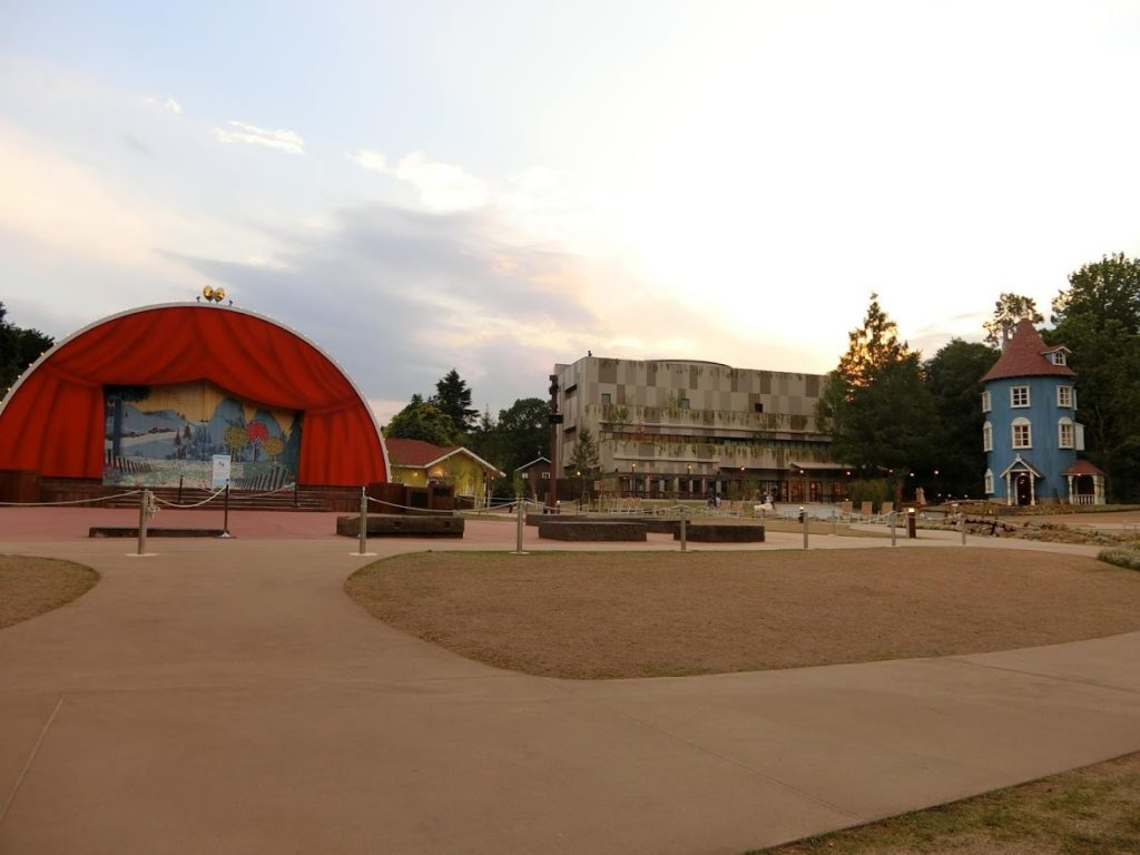 moomin-valley-park-house-and-theater