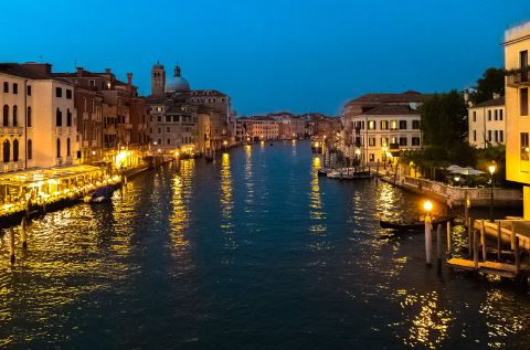 night-in-venetia