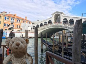 rialto-bridge-in-the-grand-canal