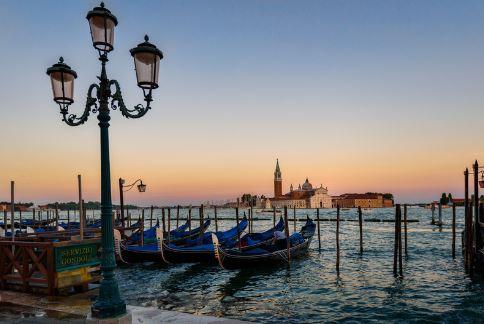 venetia-gondola-service