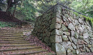 hamada-castle-ruins