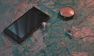 smartphone-and-compass